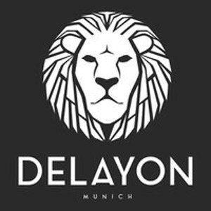 """Das Logo von Delayon, einem eyewear und fashion startup aus München ist ein Kunstwerk. Damit gehört es für uns zur Kategorie """"Die besten Startup Logos 2018"""""""